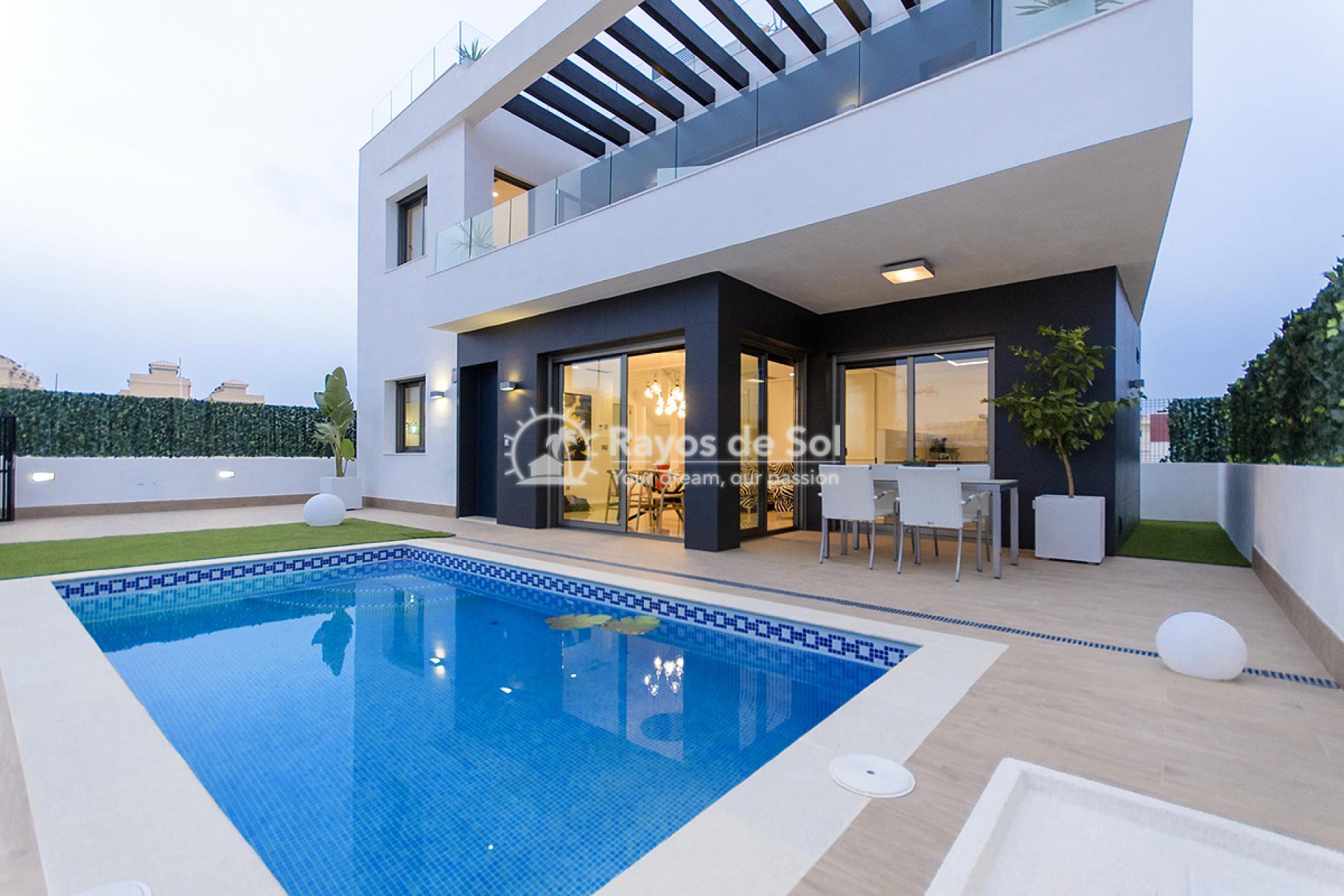 Villa  in Villamartin, Costa Blanca (VISUVI103-4) - 3