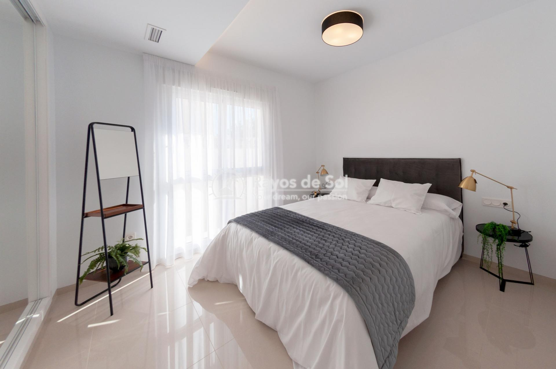 Detached villa  in Doña Pepa, Quesada, Costa Blanca (QUEUVE) - 7