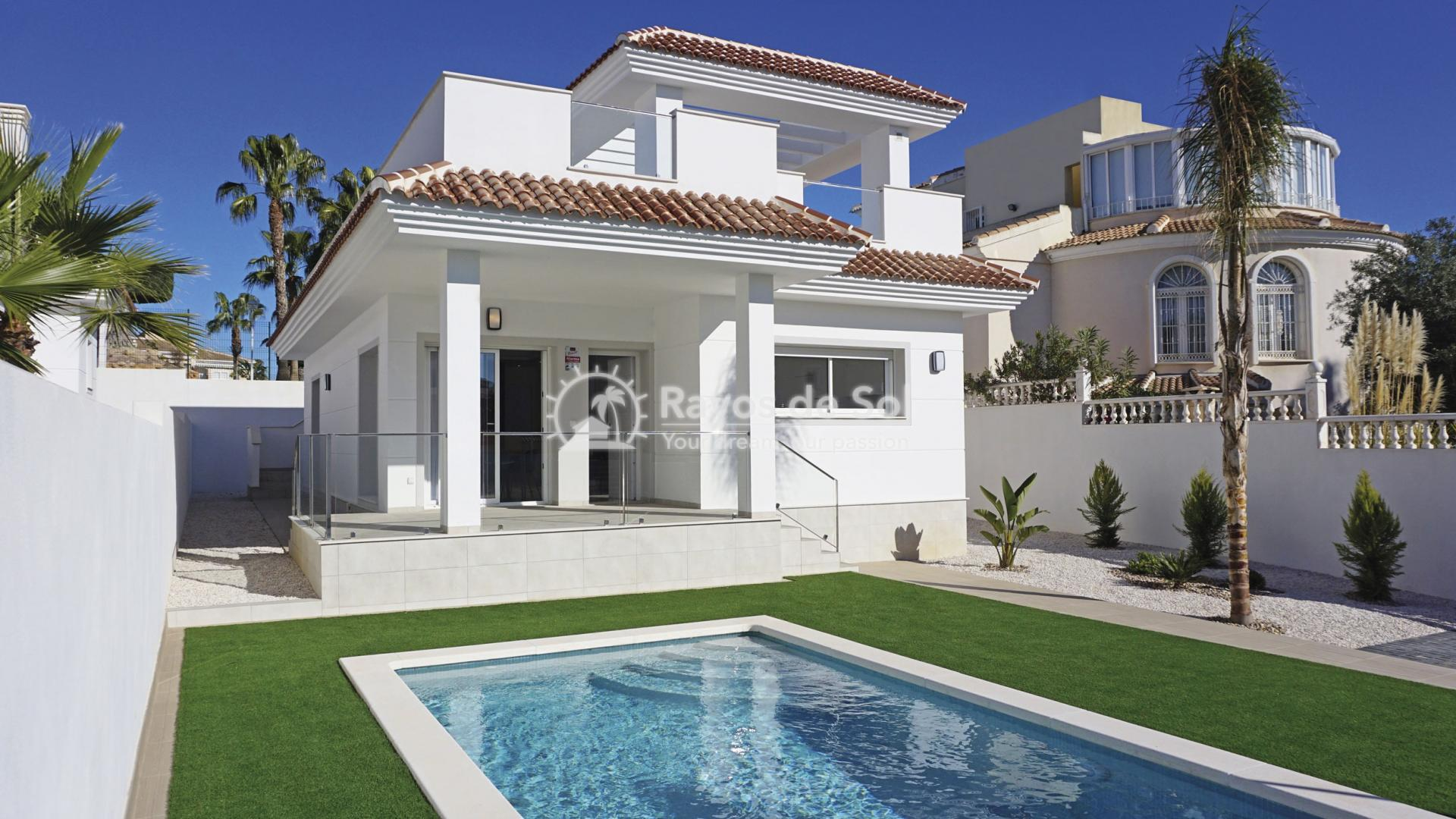 Detached villa  in Doña Pepa, Quesada, Costa Blanca (QUEUVE) - 1