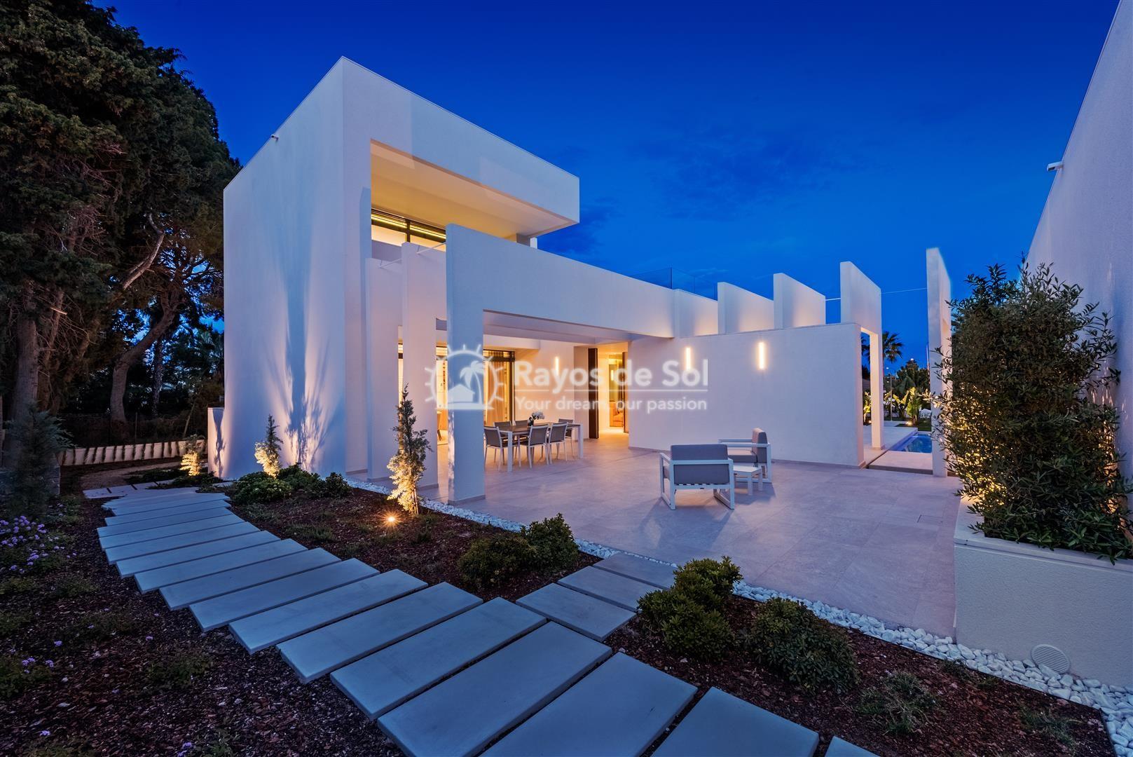 Keyready villa  in Villamartin, Costa Blanca (VIMAVI) - 1