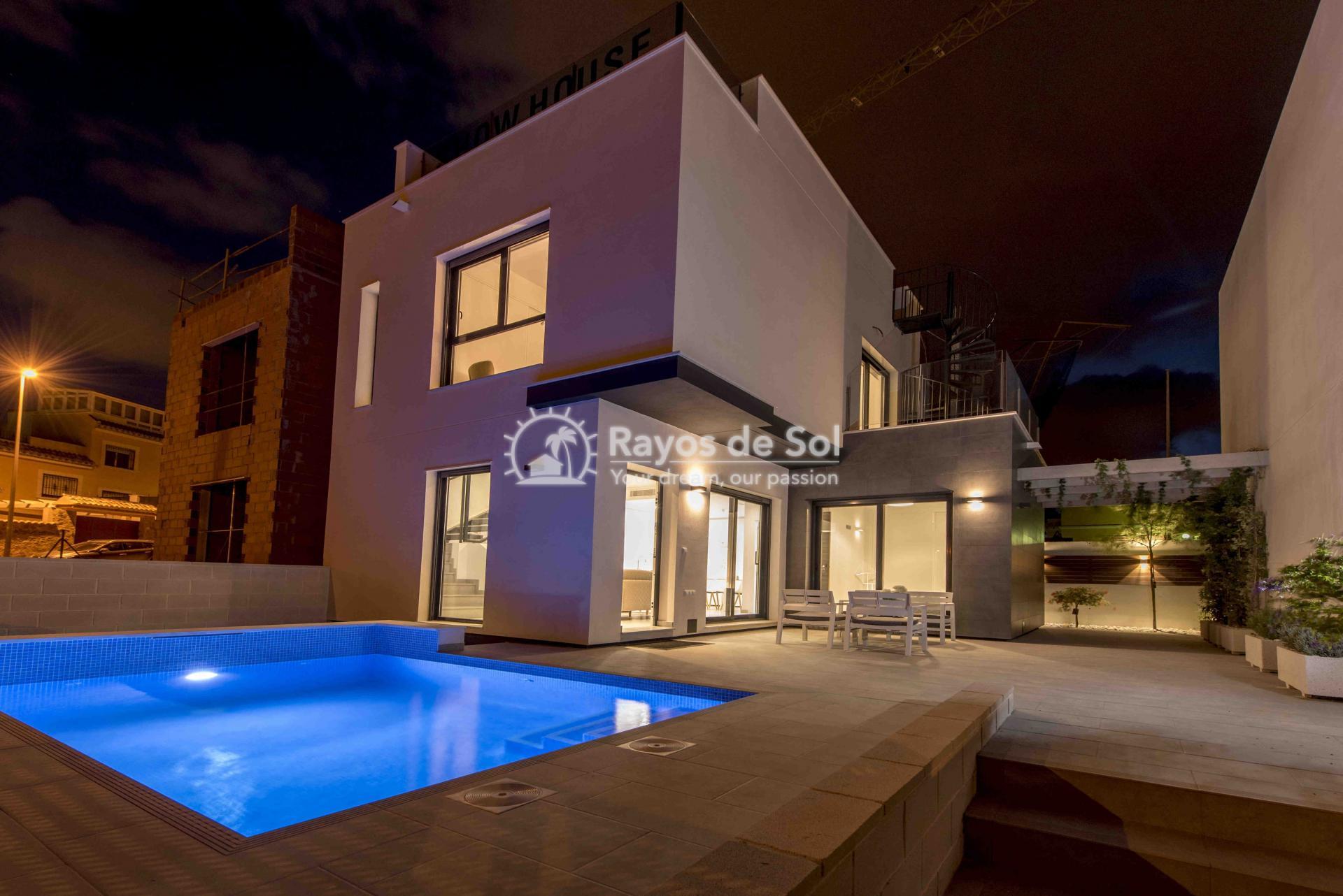 Detached villa  in Villamartin, Costa Blanca (VITIEM3-2) - 1