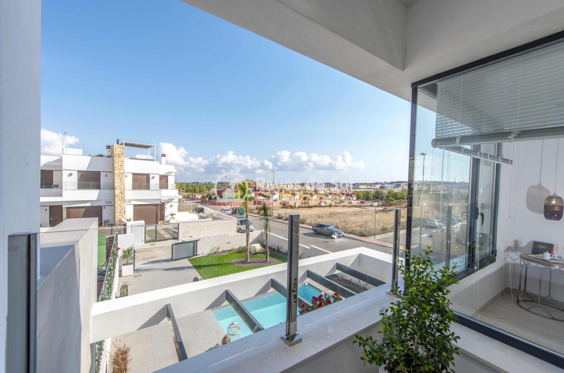 Modern villa  in Villamartin, Costa Blanca (VIHEH3-3) - 28