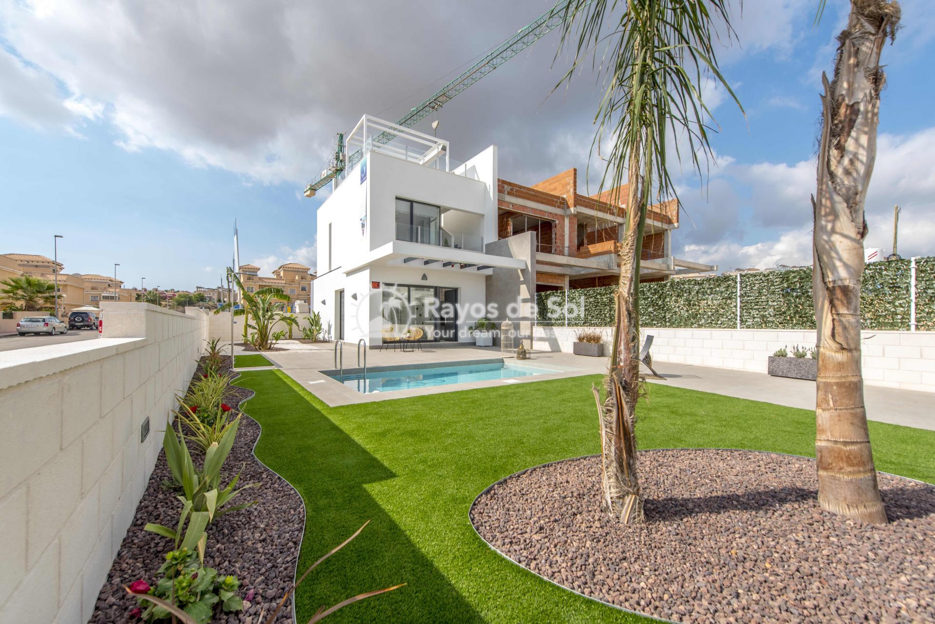 Modern villa  in Villamartin, Costa Blanca (VIHEH3-3) - 40