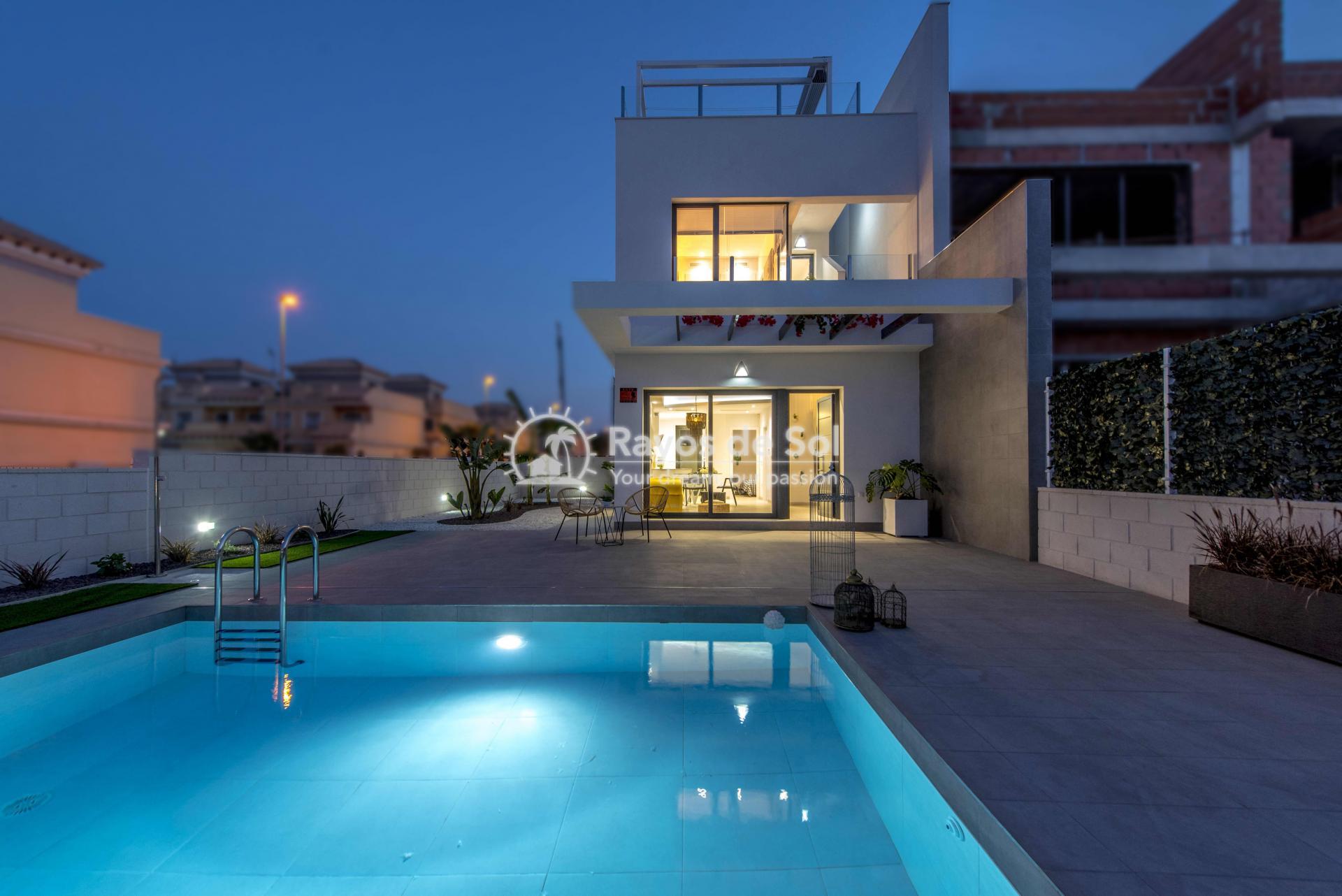 Modern villa  in Villamartin, Costa Blanca (VIHEH3-3) - 35