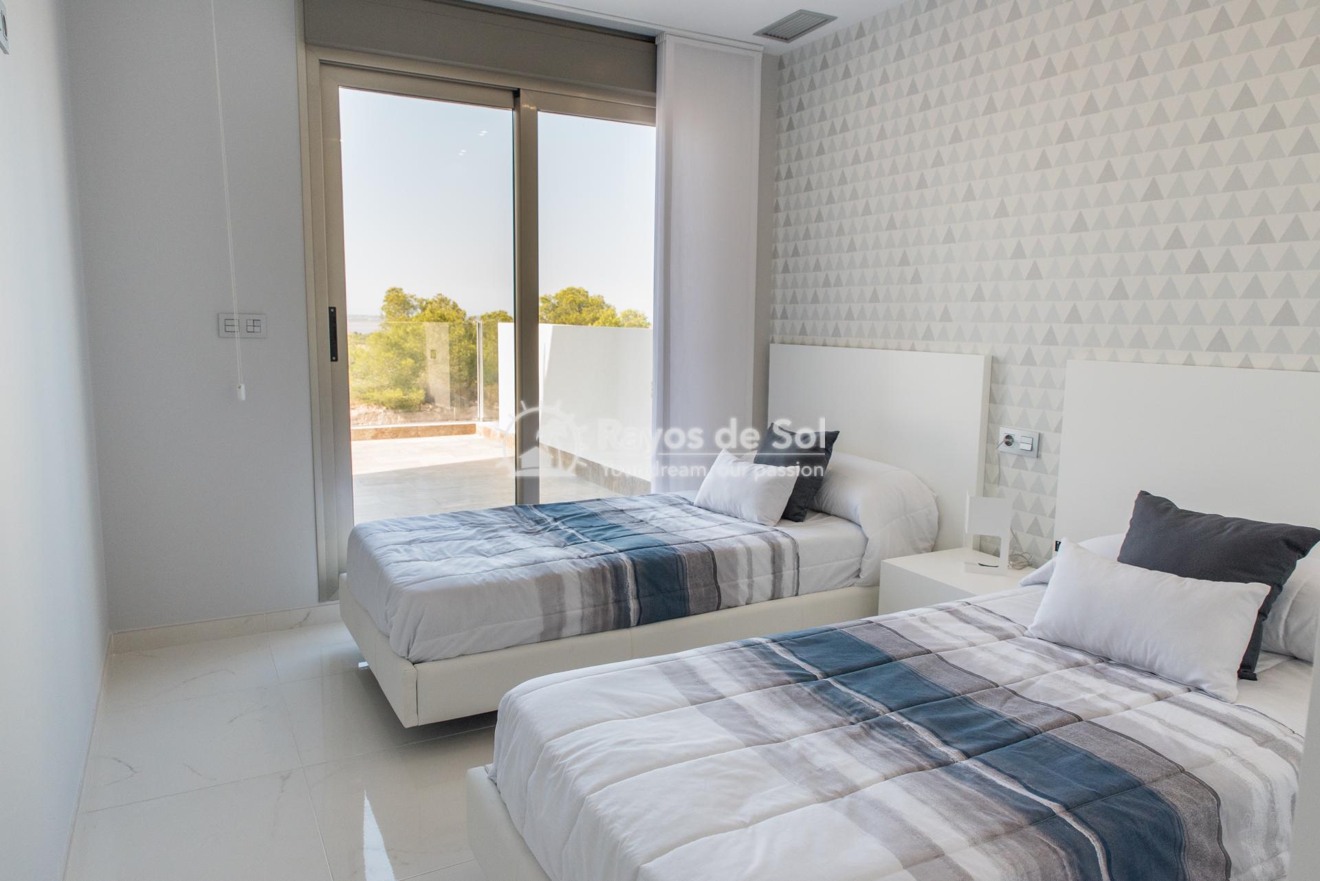 Modern villa  in Villamartin, Costa Blanca (VIINGH3-3) - 16