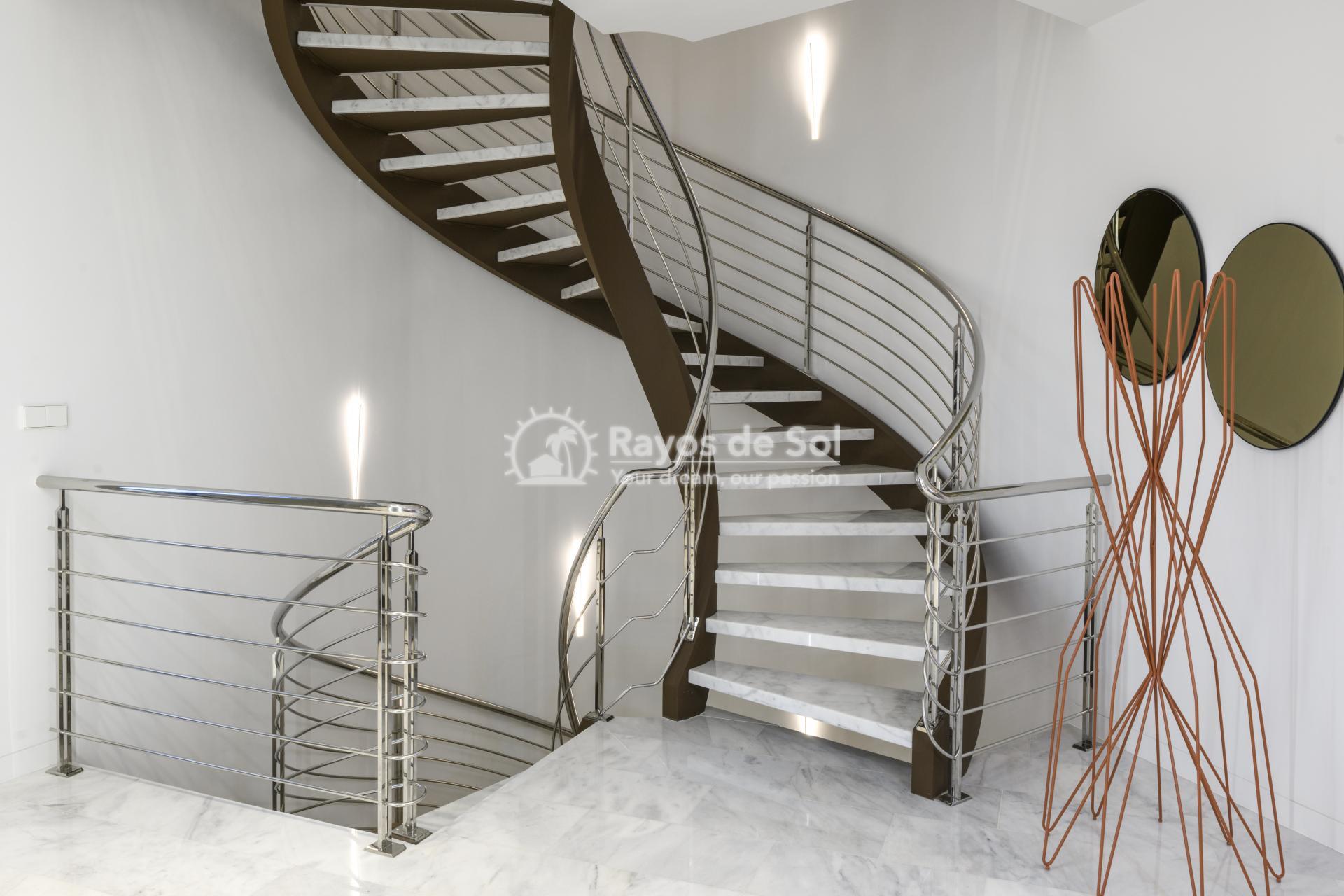 Stunning modern design villa  in Sierra Cortina, Finestrat, Costa Blanca (Praga 19) - 20