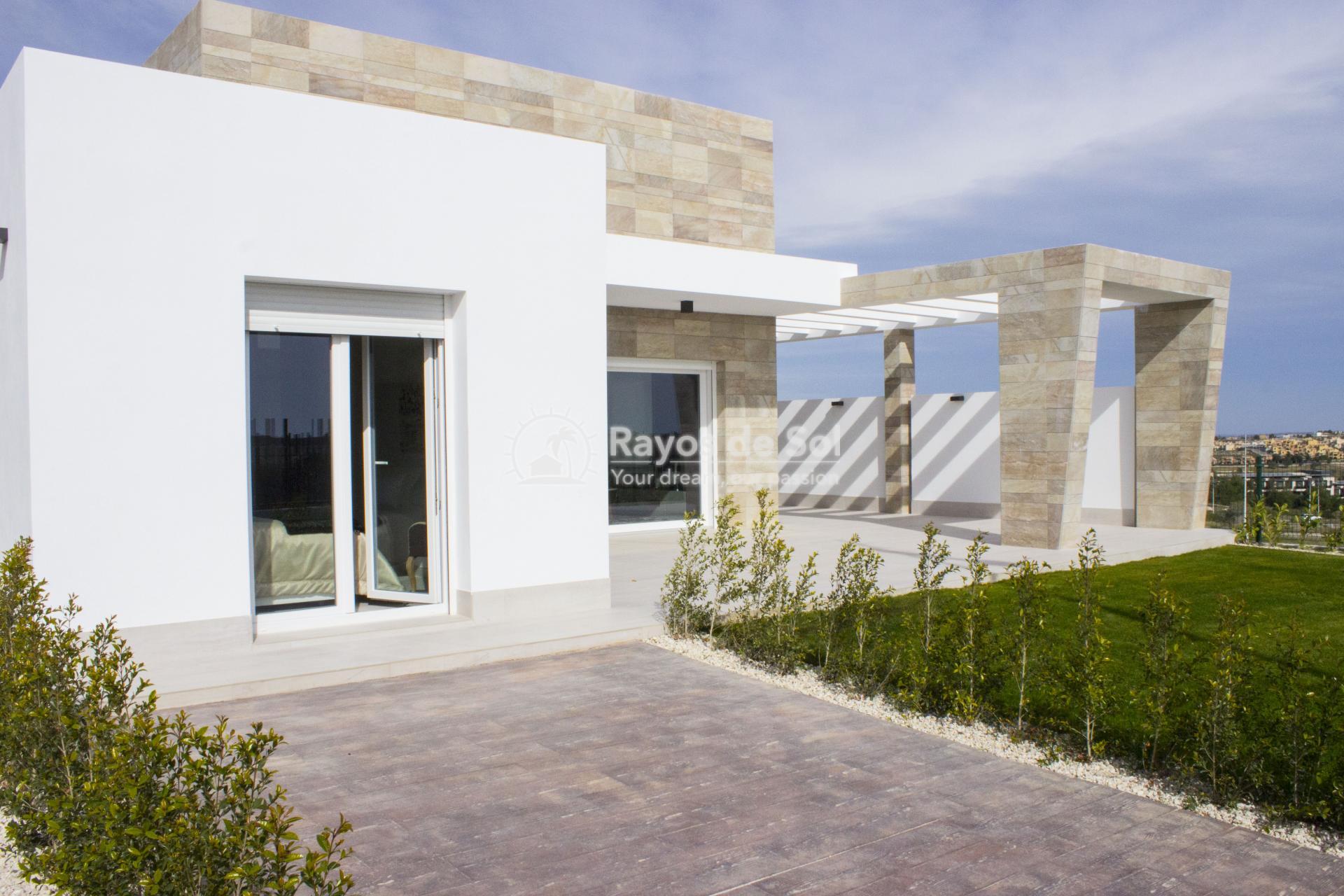 Single storey villa on La Finca golf in Algorfa, Costa Blanca (LFTRLFE) - 2