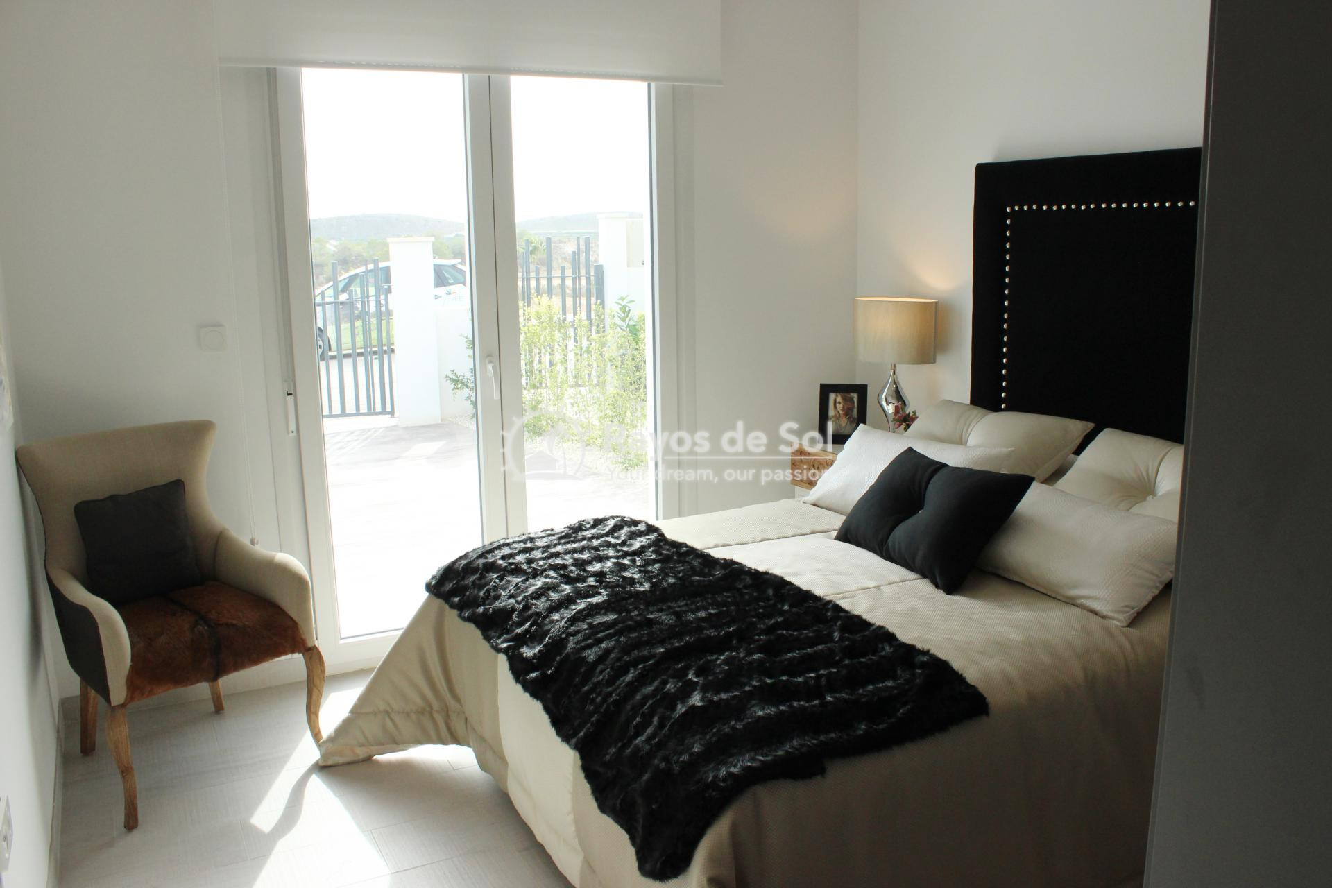 Single storey villa on La Finca golf in Algorfa, Costa Blanca (LFTRLFE) - 9
