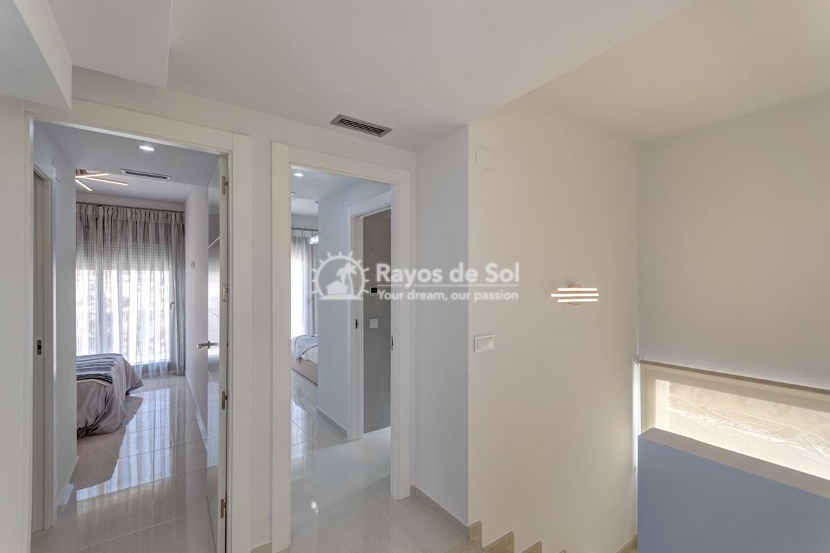 Villa  in Villamartin, Costa Blanca (VILHMIII3-3) - 6