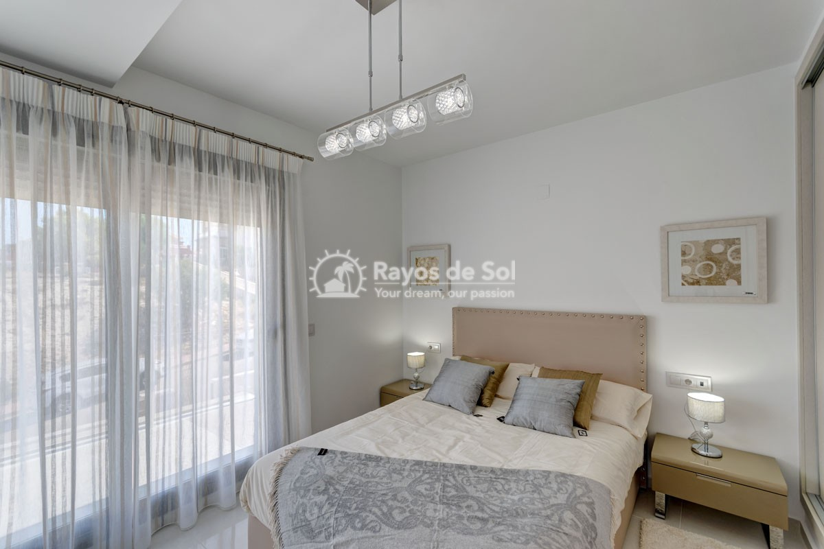 Villa  in Villamartin, Costa Blanca (VILHMIII3-3) - 11