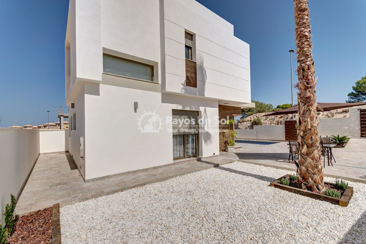 Villa  in Villamartin, Costa Blanca (VILHMIII3-3) - 8