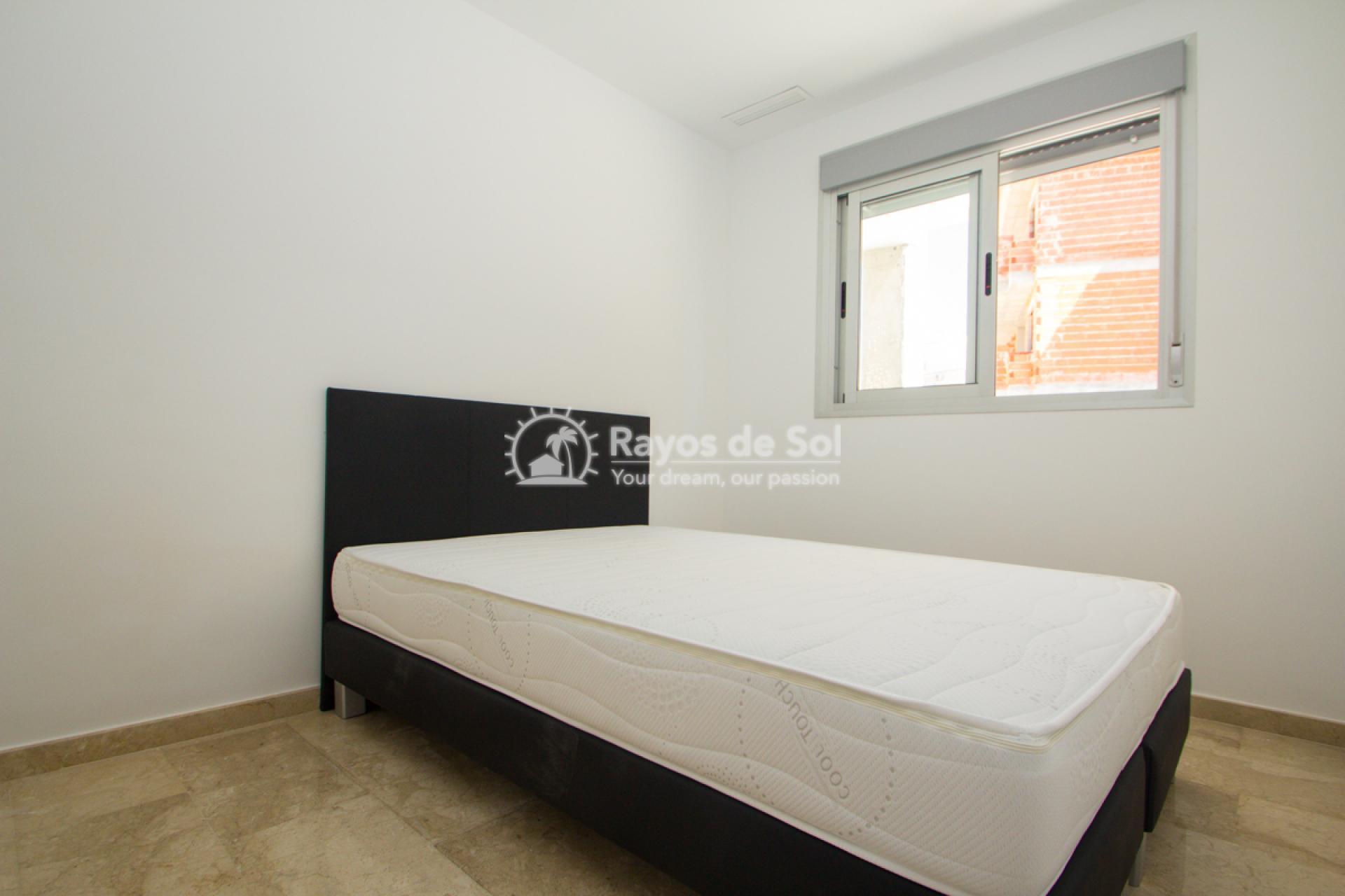 Penthouse  in Villamartin, Costa Blanca (VISGB3-2P) - 16