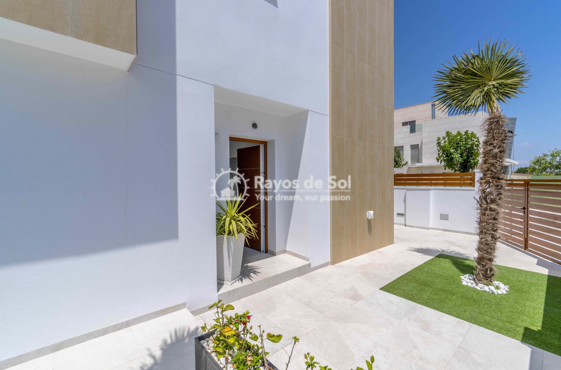 Villa  in Torrevieja, Costa Blanca (thevillage) - 16