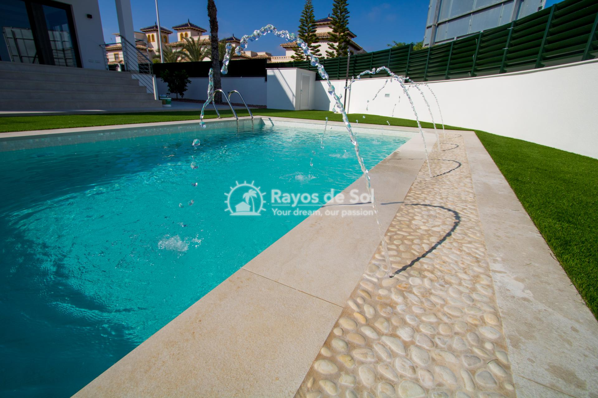 Detached villa  in La Marina, Costa Blanca (npinet15-3d-villa) - 10