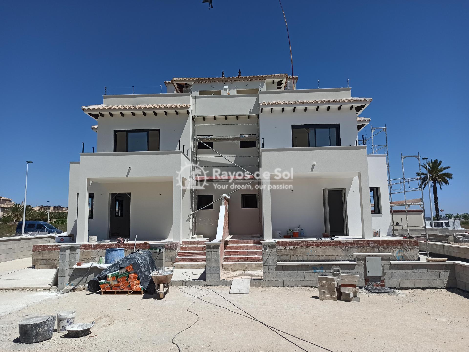 Townhouse  in La Marina, Costa Blanca (npinet11-2d) - 9