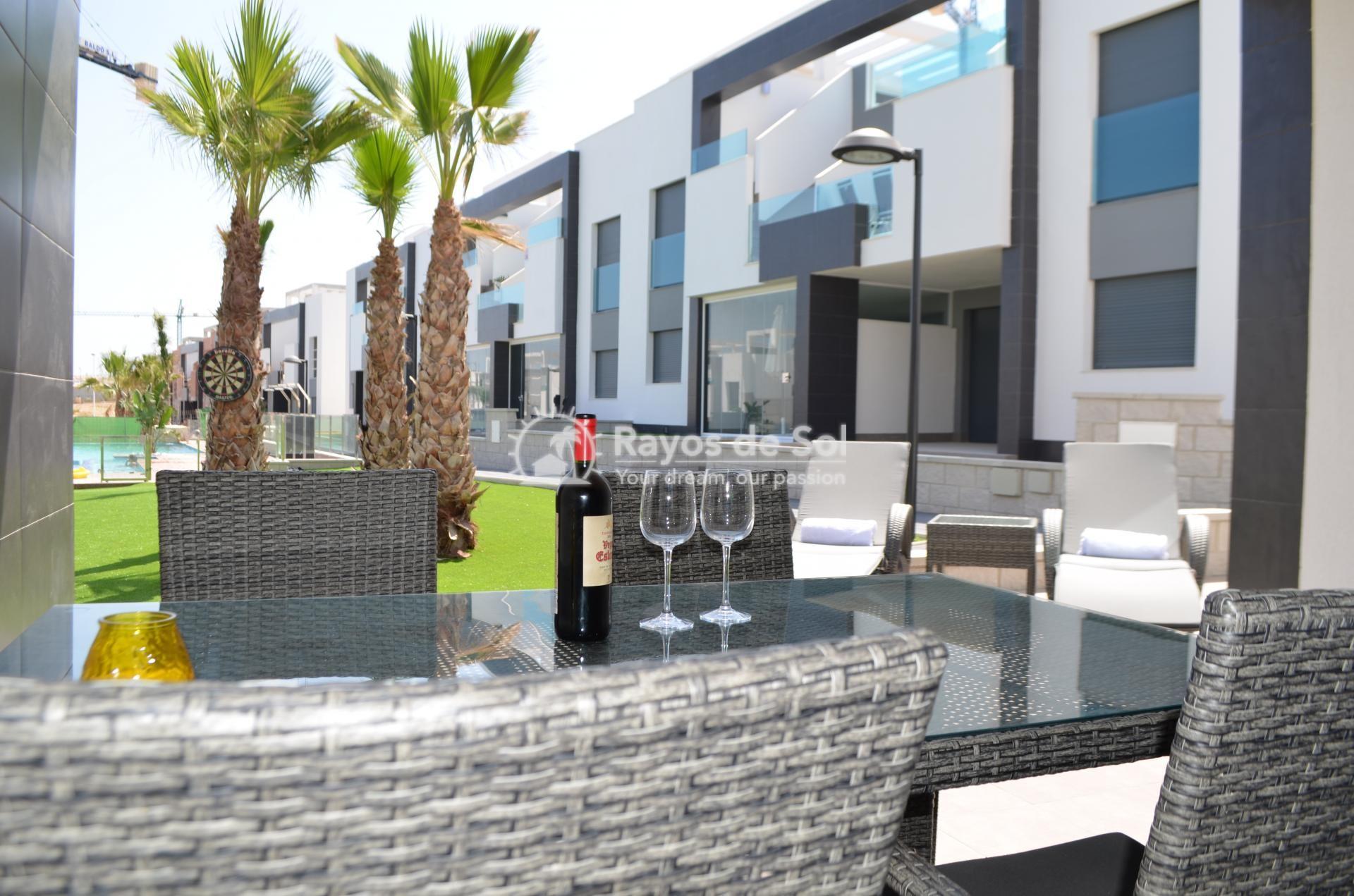 Apartment  in Punta Prima, Orihuela Costa, Costa Blanca (mp477) - 9