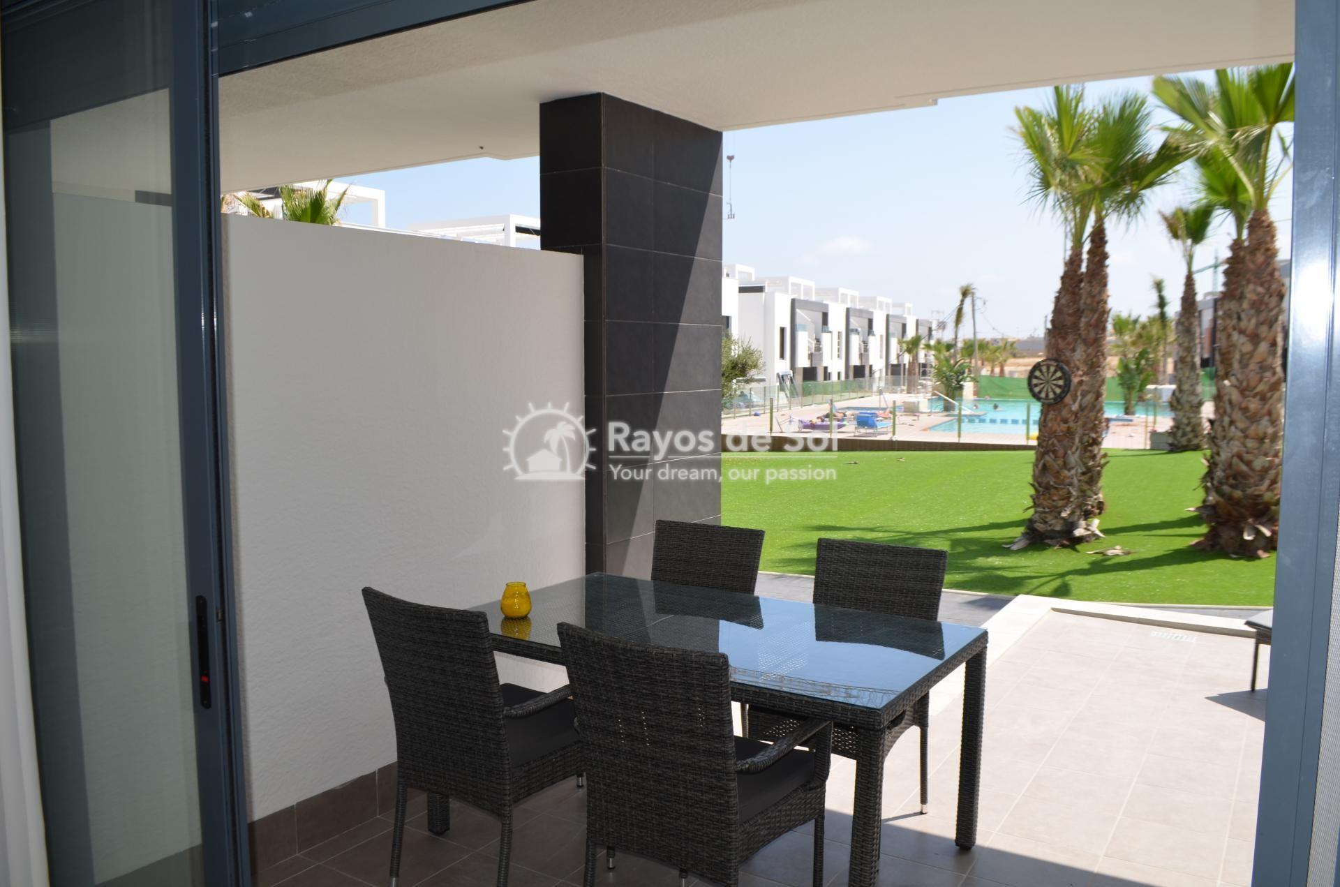 Apartment  in Punta Prima, Orihuela Costa, Costa Blanca (mp477) - 10