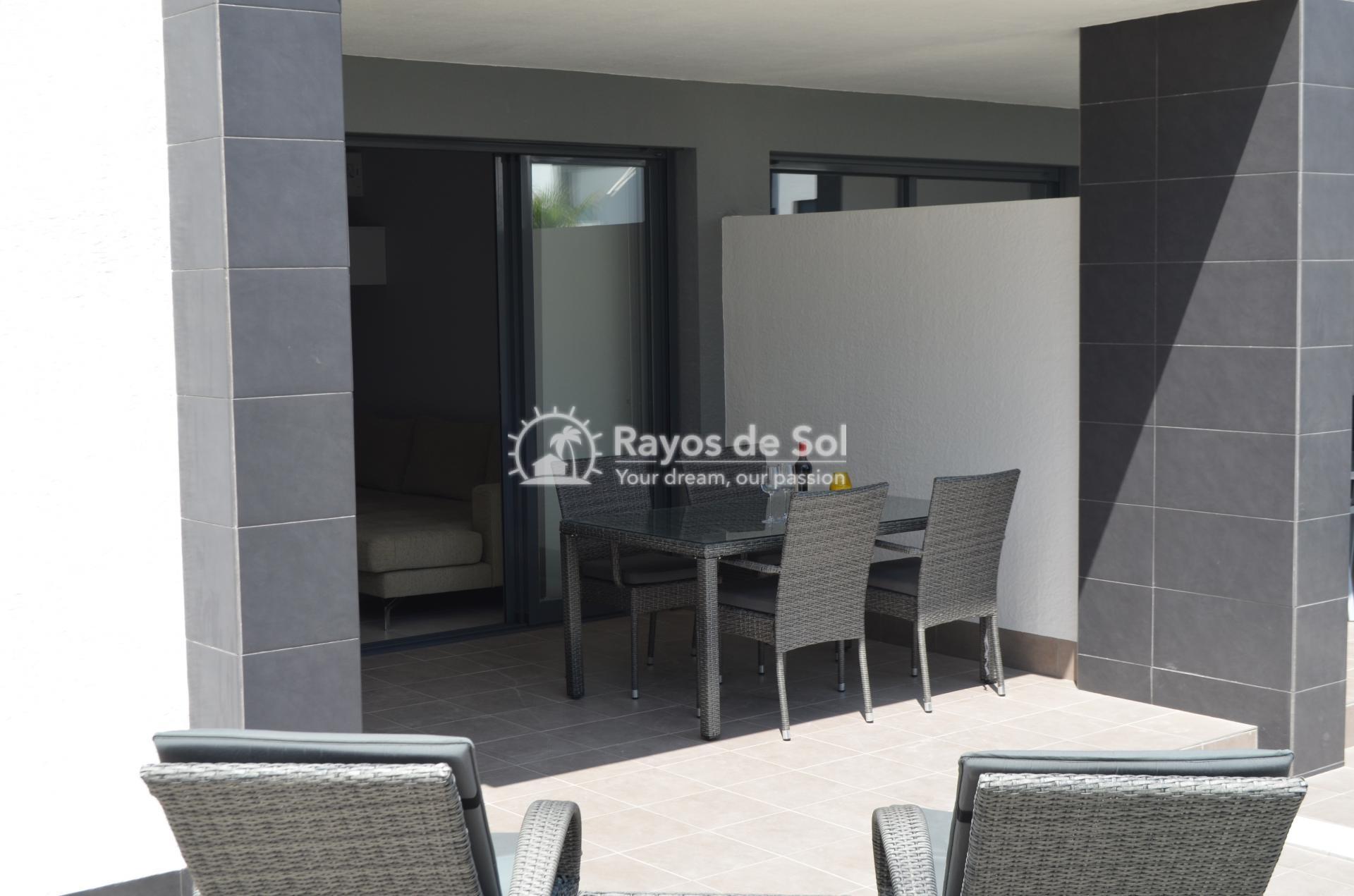 Apartment  in Punta Prima, Orihuela Costa, Costa Blanca (mp477) - 11