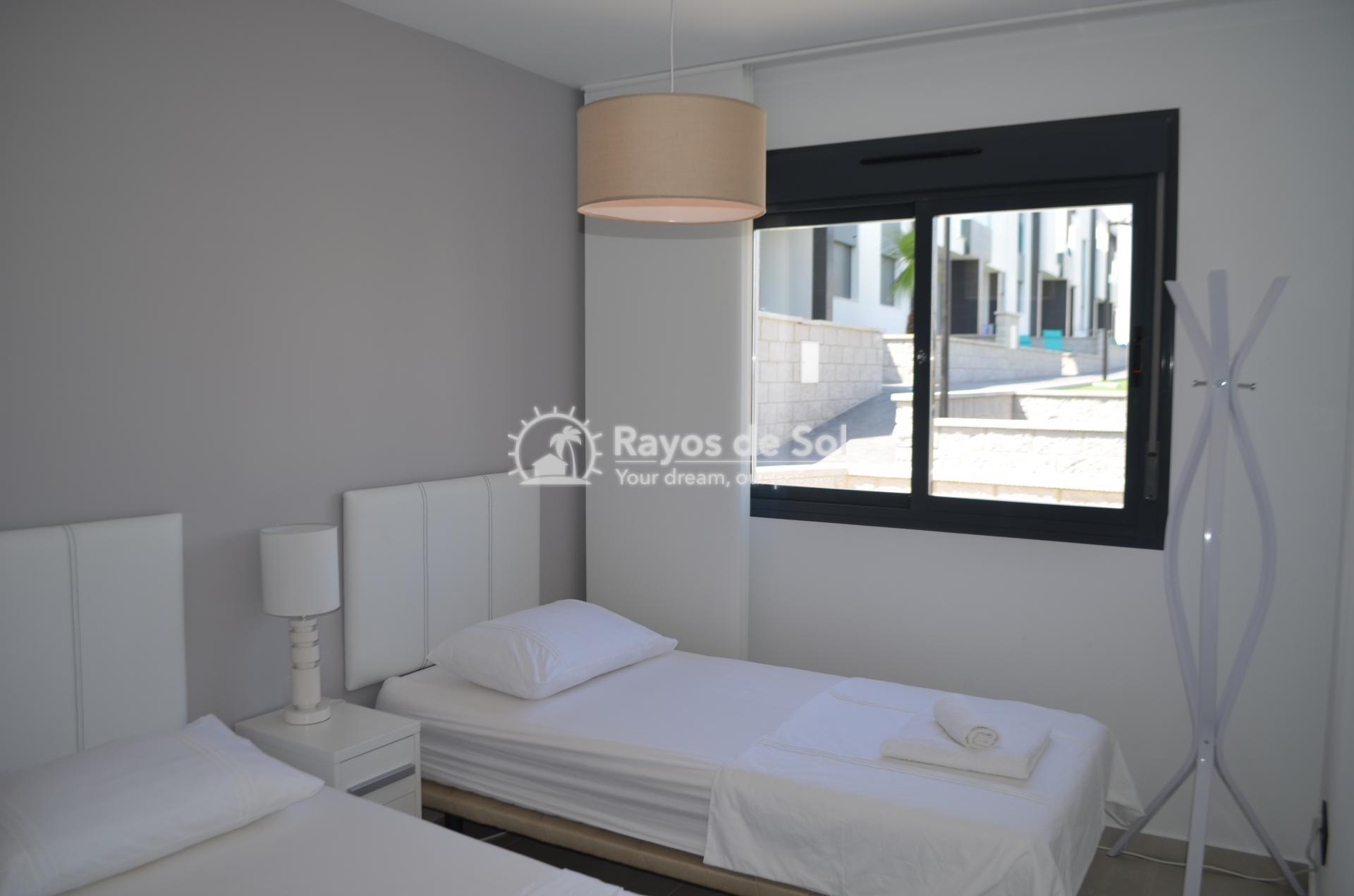 Apartment  in Punta Prima, Orihuela Costa, Costa Blanca (mp477) - 20
