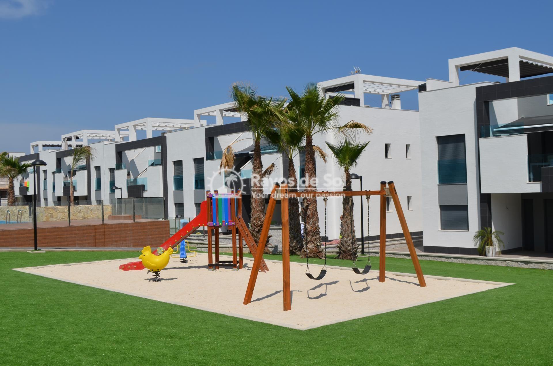 Apartment  in Punta Prima, Orihuela Costa, Costa Blanca (mp477) - 26