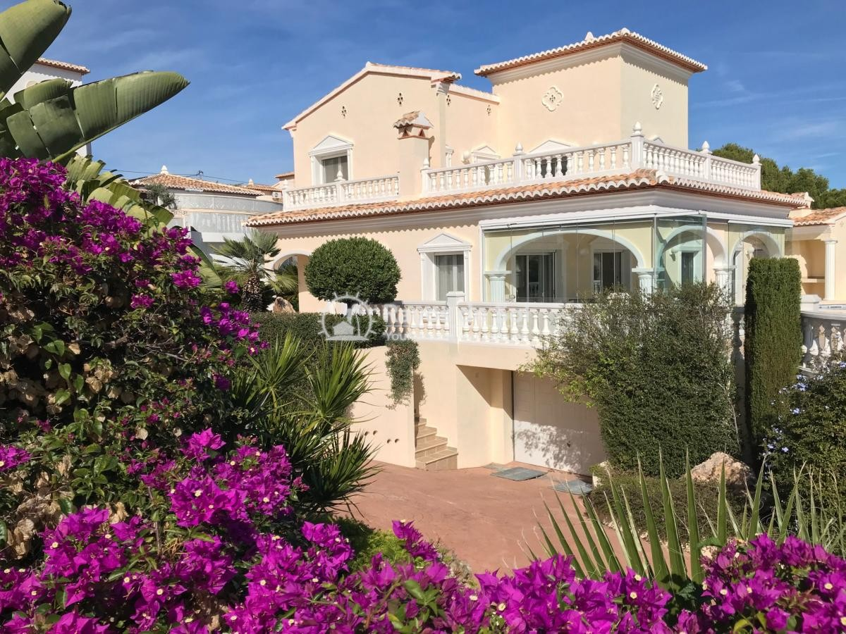 Villa  in Calpe, Costa Blanca North (2501) - 1