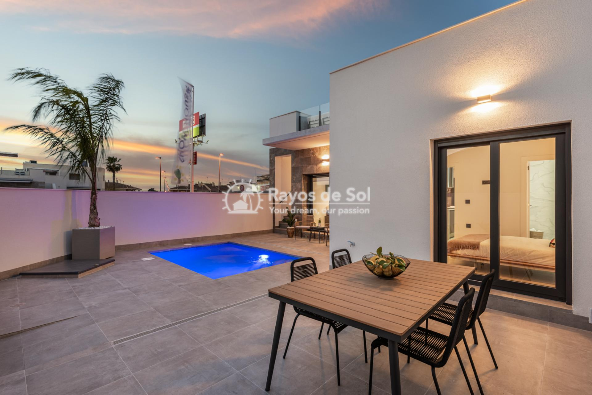 Semi-detached villa  in Formentera del Segura, Costa Blanca (Riomar) - 2