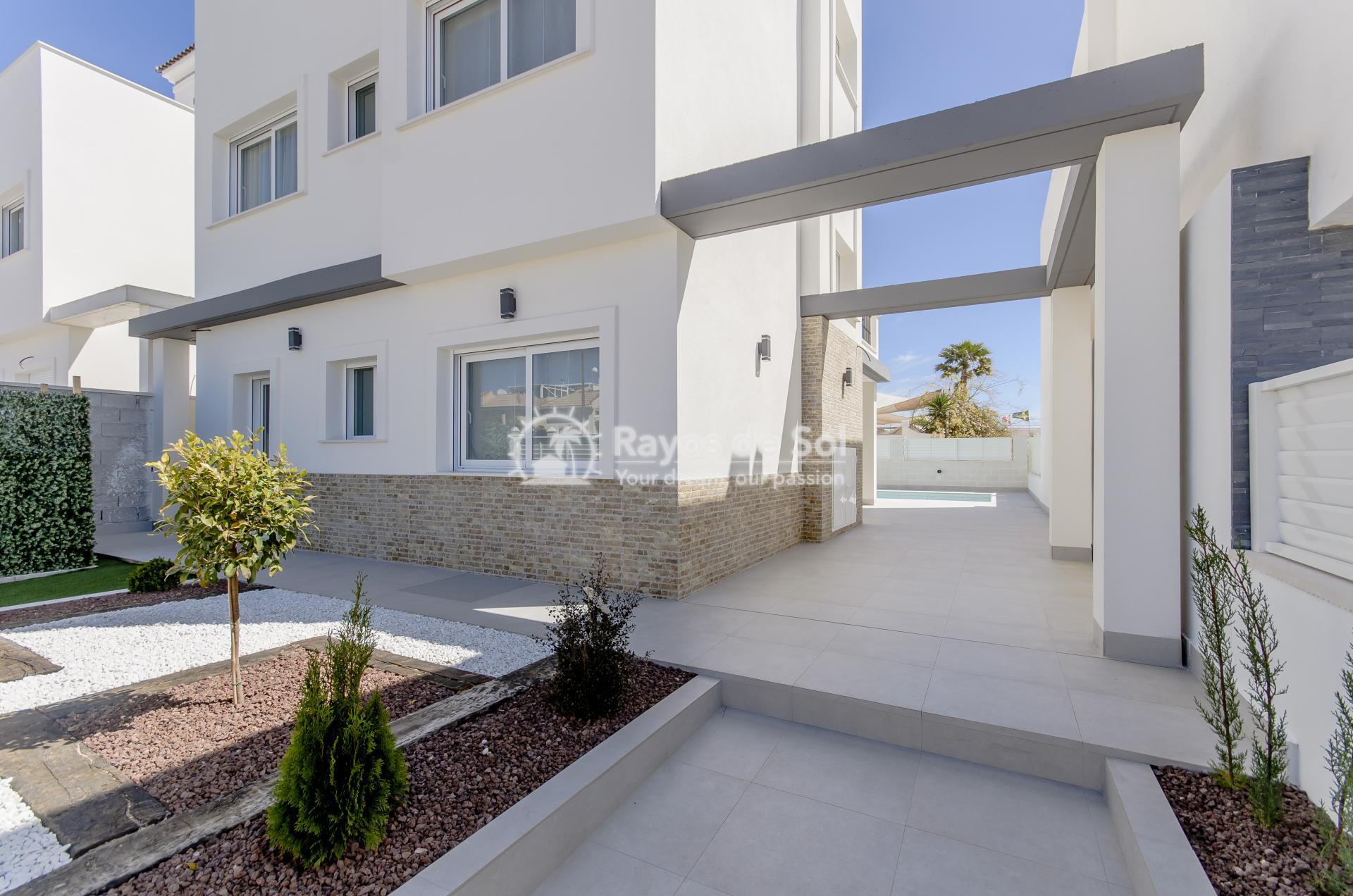 Detached villa  in Torrevieja, Costa Blanca (Torretas-villa) - 42