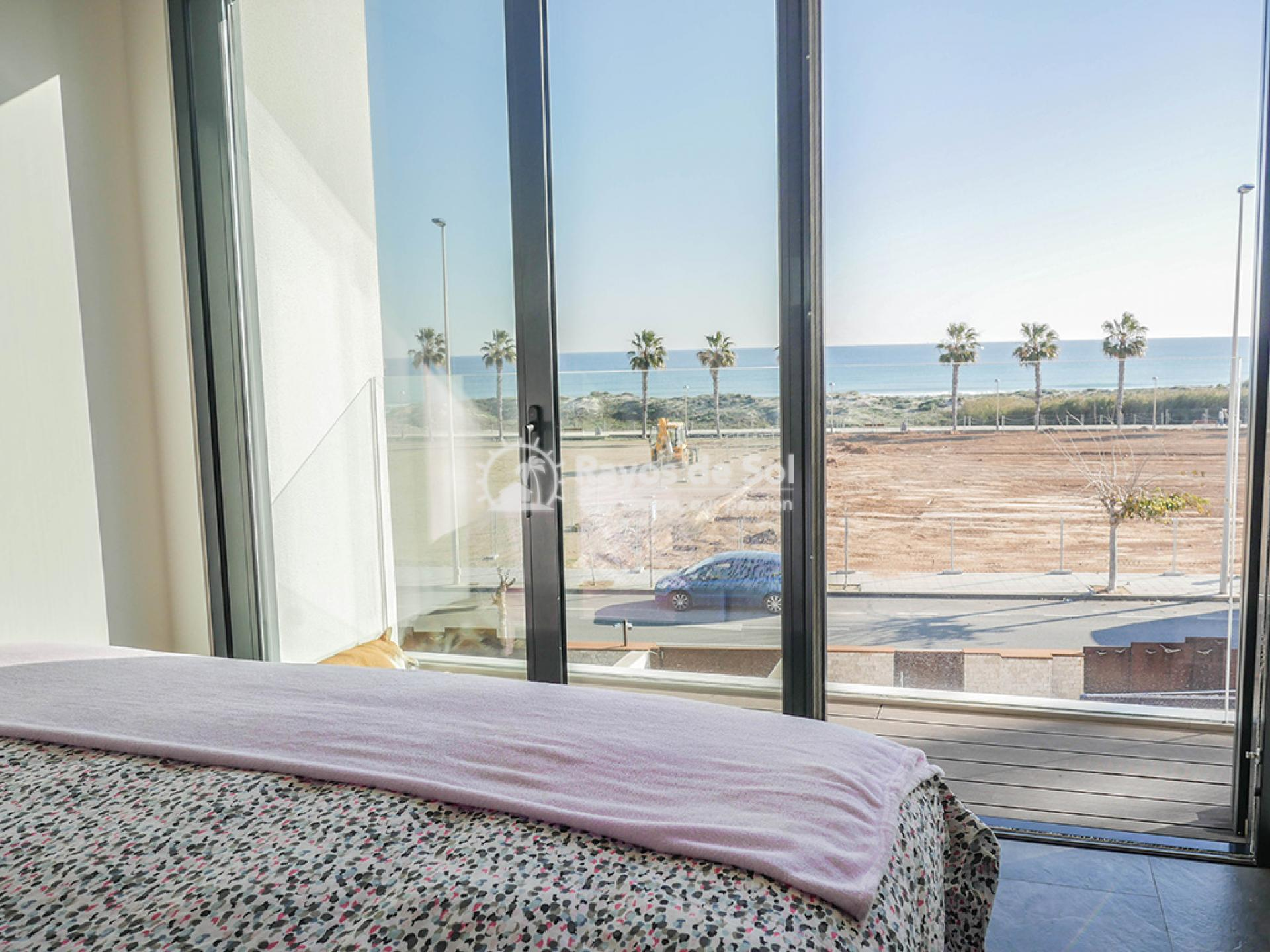 Luxury independent beachfront villa  in Torre de la Horadada, Pilar de la Horadada, Costa Blanca (Dunas-del-mar-2) - 29