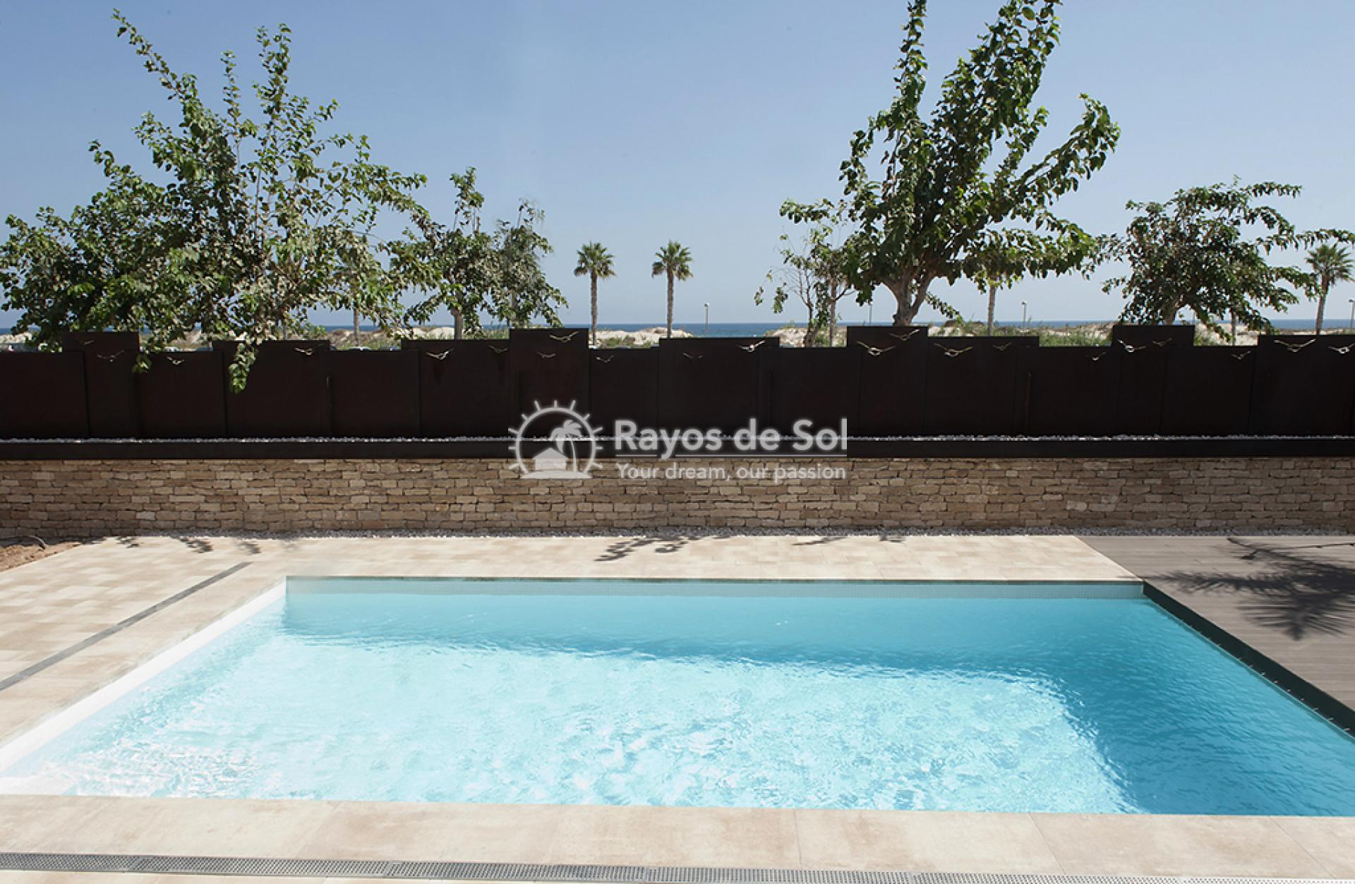 Luxury beachfront villa  in Torre de la Horadada, Pilar de la Horadada, Costa Blanca (Dunas-del-mar-5) - 12