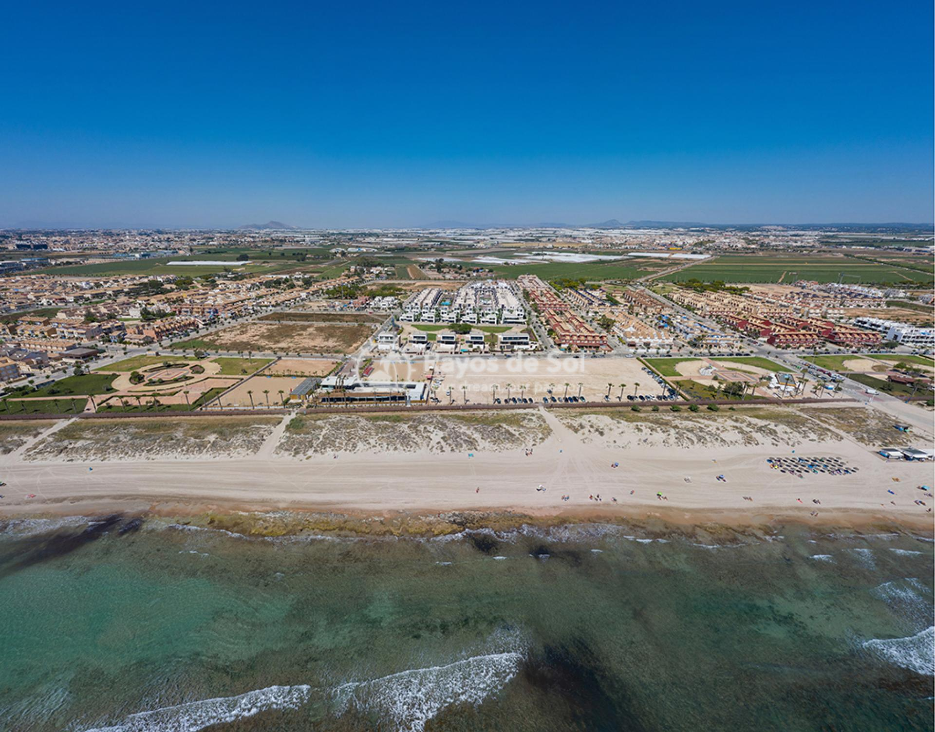 Luxury beachfront villas  in Torre de la Horadada, Pilar de la Horadada, Costa Blanca (Las-Higuericas-v12) - 14