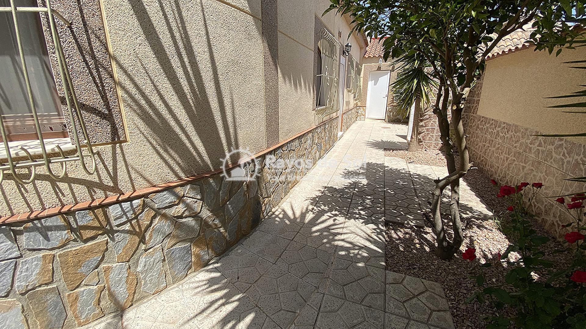 Villa  in Villamartin, Orihuela Costa, Costa Blanca (mp7001) - 17