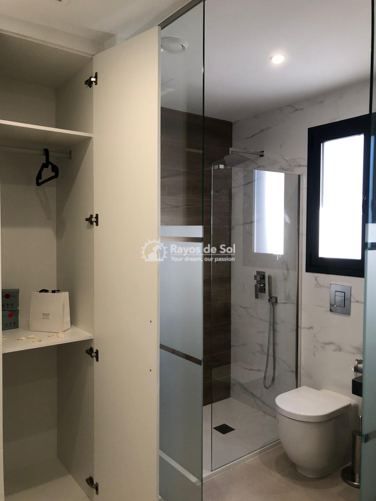 Newbuild villas in La Finca, Algorfa, Costa Blanca (LFHELFV3-2) - 22