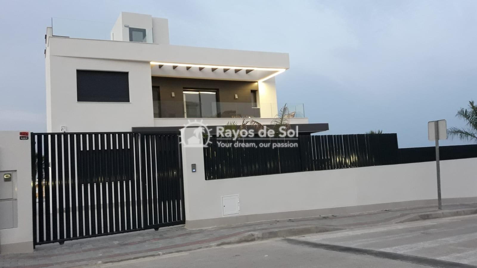 Newbuild villas in La Finca, Algorfa, Costa Blanca (LFHELFV3-2) - 4
