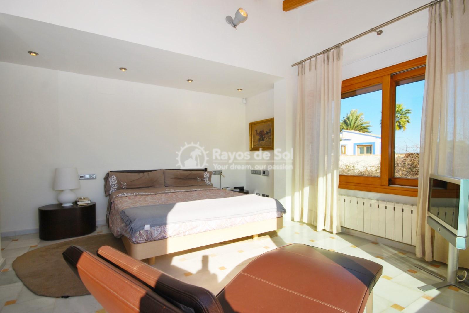 Villa  in Calpe, Costa Blanca North (3551) - 24