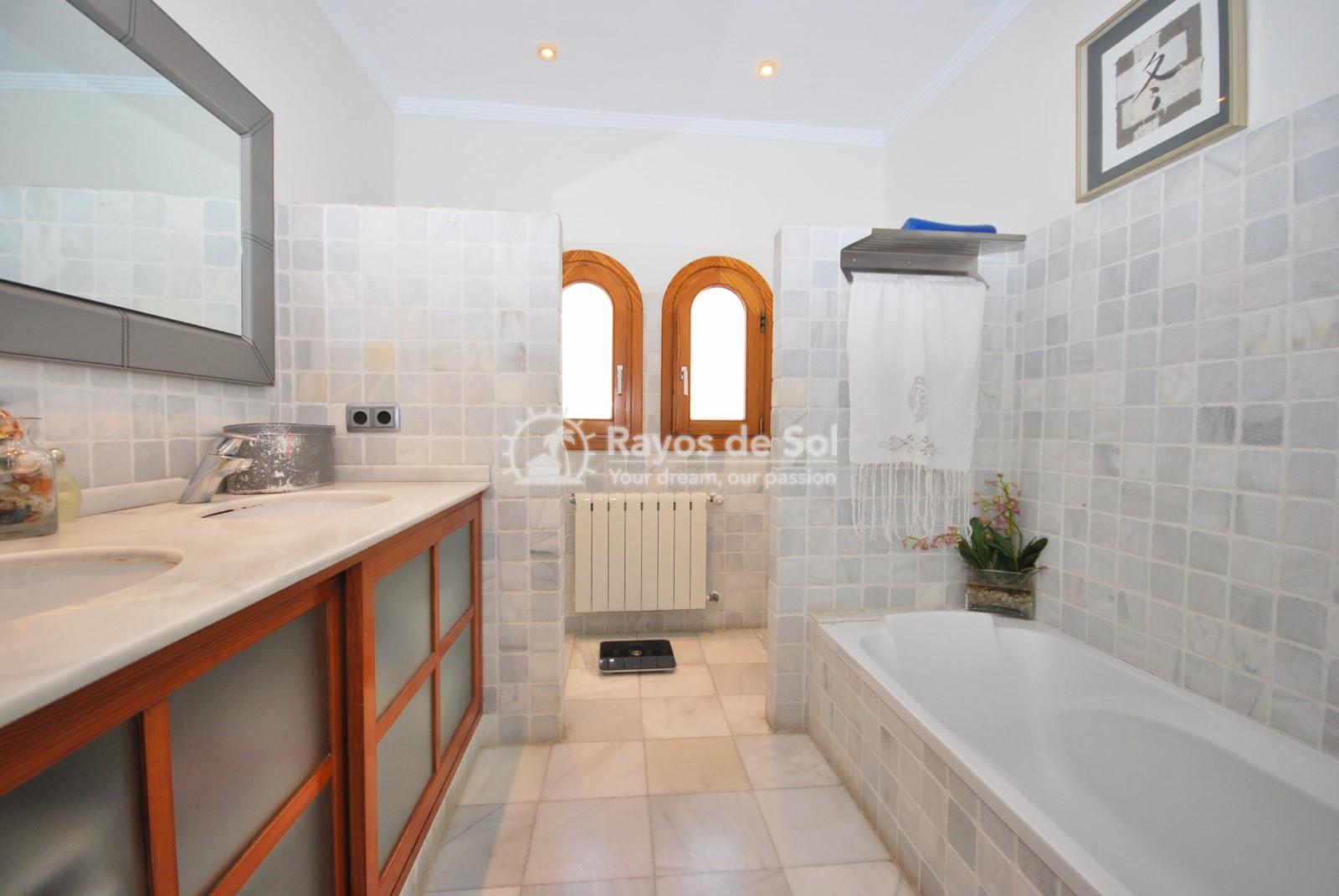 Villa  in Calpe, Costa Blanca North (3551) - 25