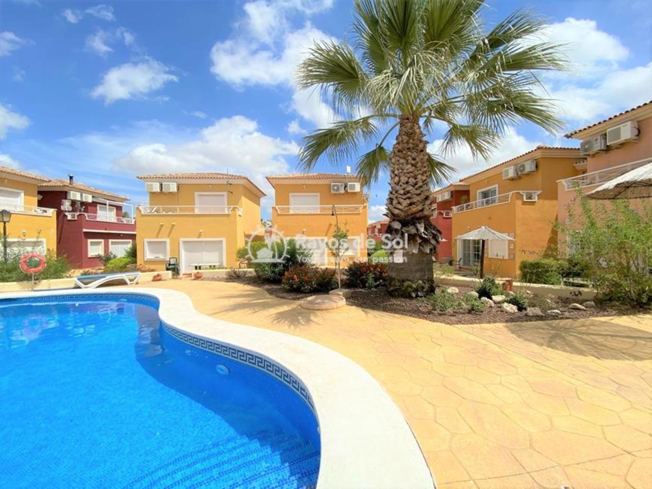 Villa  in Altaona Golf,  (594404) - 1