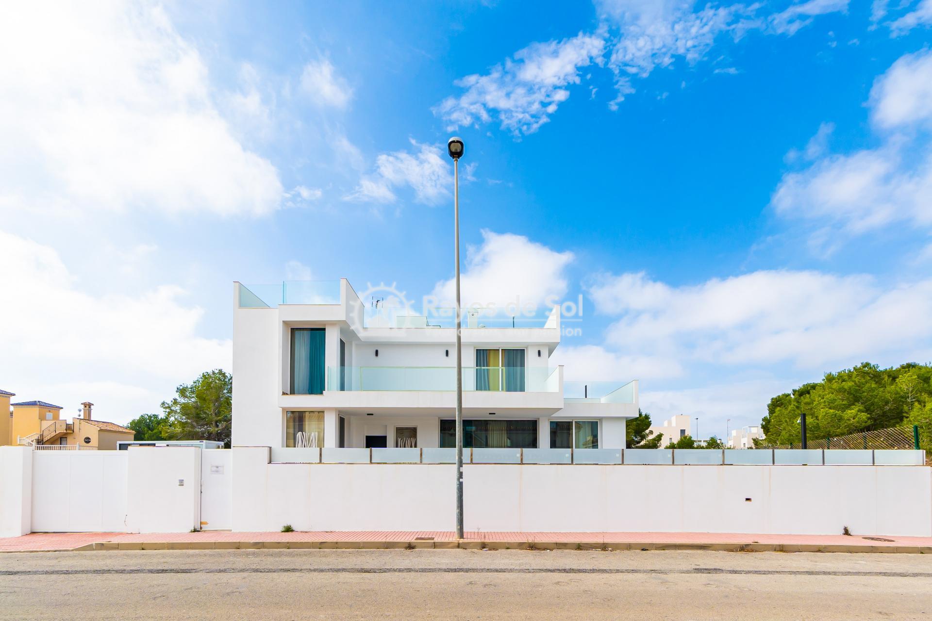 Detached villa  in Villamartin, Orihuela Costa, Costa Blanca (VIATAH3-3V) - 3