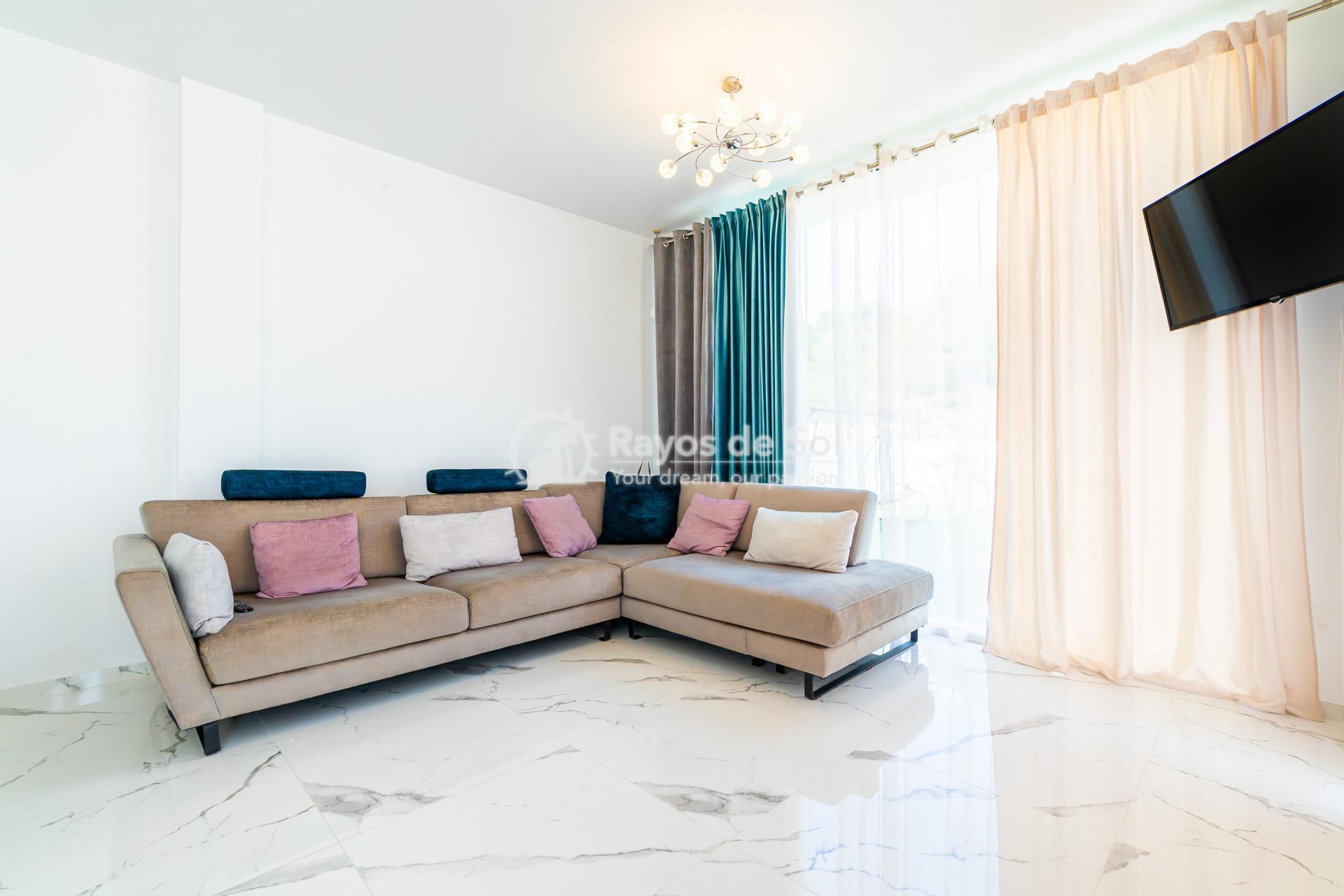Detached villa  in Villamartin, Orihuela Costa, Costa Blanca (VIATAH3-3V) - 15