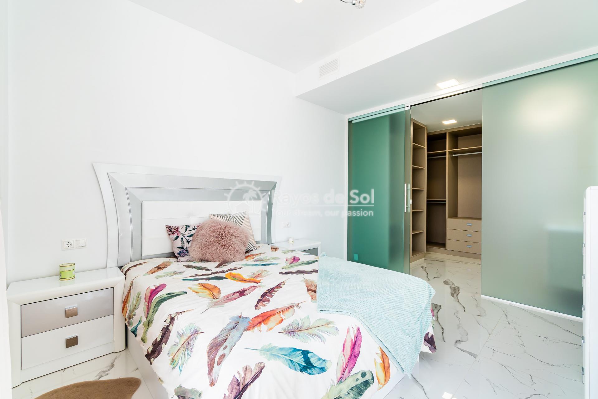 Detached villa  in Villamartin, Orihuela Costa, Costa Blanca (VIATAH3-3V) - 24
