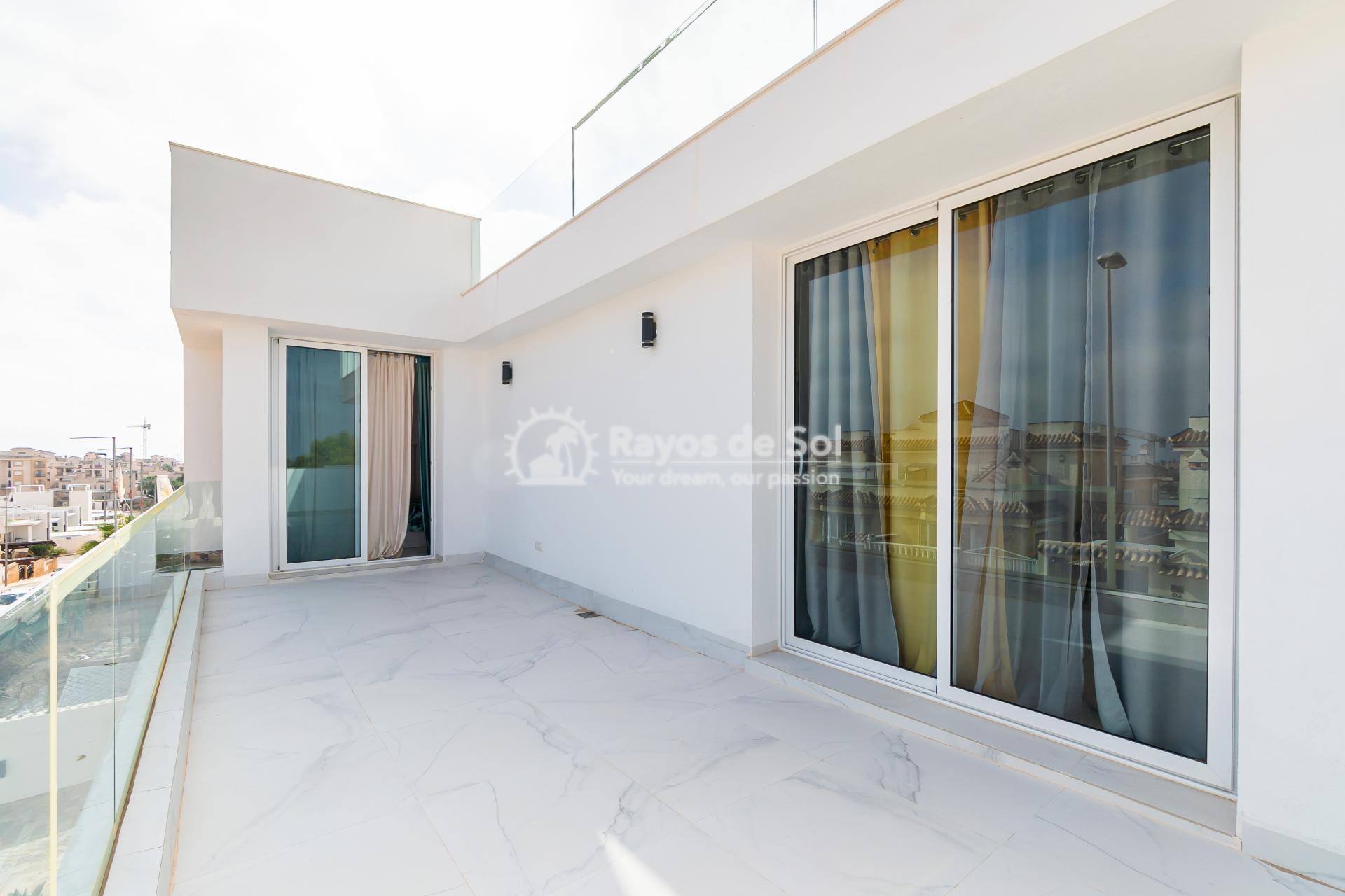 Detached villa  in Villamartin, Orihuela Costa, Costa Blanca (VIATAH3-3V) - 47
