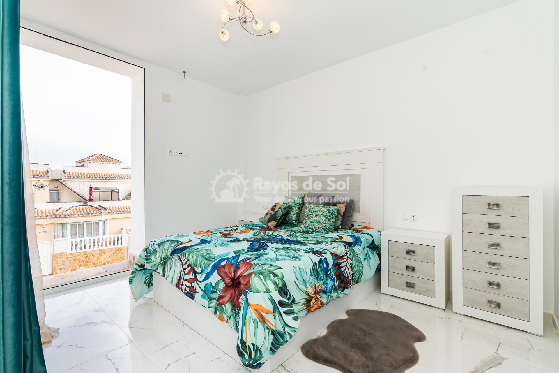 Detached villa  in Villamartin, Orihuela Costa, Costa Blanca (VIATAH3-3V) - 41