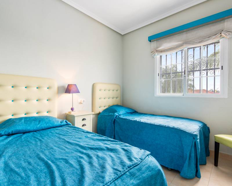 Villa  in La Marina, Costa Blanca (slp1448) - 16