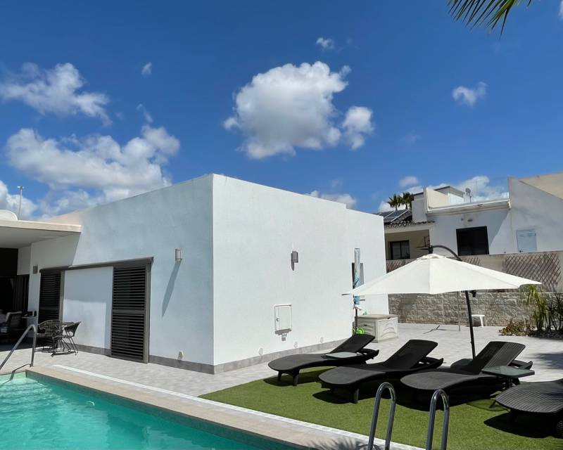 Villa  in La Marina, Costa Blanca (slp2074) - 2